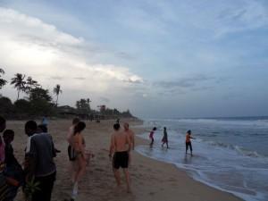 Kühles Bad im Ozean