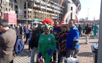 Fans vor dem Ellis Park